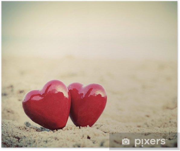 Plakát Dvě červené srdce na pláži. Láska, Valentýn, pár - Štěstí