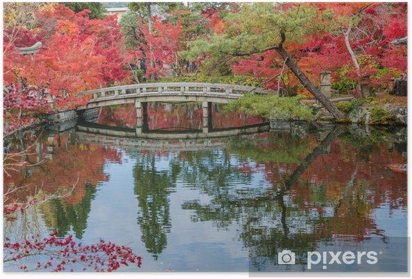 Plakat Jesienne liście na kamiennym mostem w Kyoto, Japonia - Pory roku