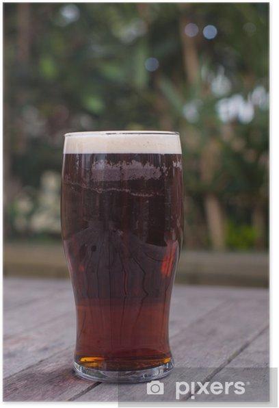 Plakat Kufel na stole pub gorzki ogrodzie - Alkohol
