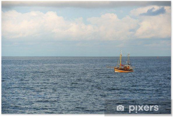 Plakat Kuter rybacki na morzu - Woda