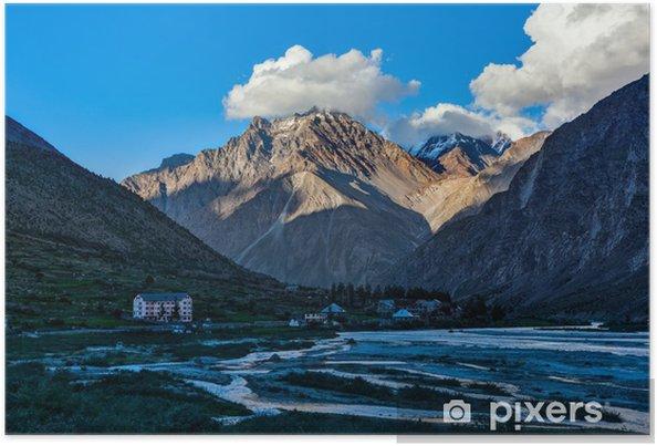 Plakát Lahaul údolí v Himalájích na západ slunce - Témata