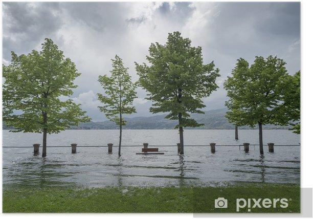 Plakát Lake vylila z břehů - Život
