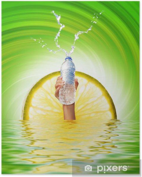 Plakat Ludzka ręka trzyma butelkę z wodą - Części ciała