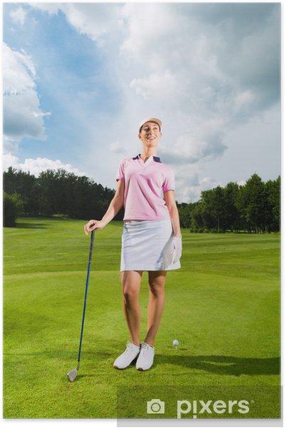 Plakát Mladá žena golfový hráč na hřiště - Golf