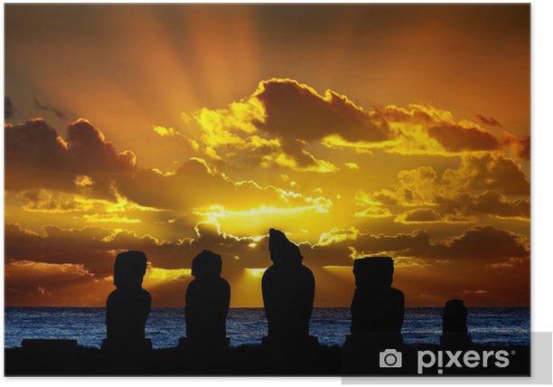 Plakat Moai z Wyspy Wielkanocnej na zachodzie słońca - Oceania