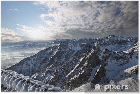 Plakat Niesamowity widok na góry pokryte śniegiem, Wysokie Tatry, Słowacja - Tematy