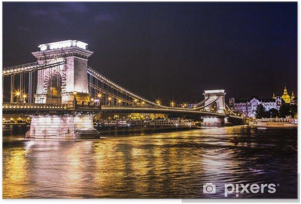 Plakat Nocny widok na słynny Most Łańcuchowy w Budapeszcie, Węgry. - Europa