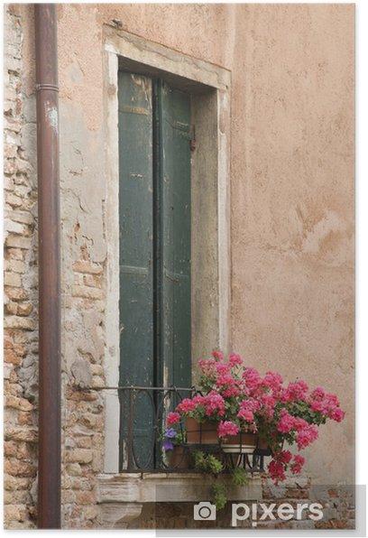 Plakat Okno zamknięte okiennice i pelargonia kwiaty w Wenecji, Ital - Europa