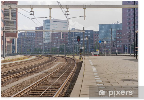 Plakat Opuszczony dworzec kolejowy, z biurowców - Dworce kolejowe i metro