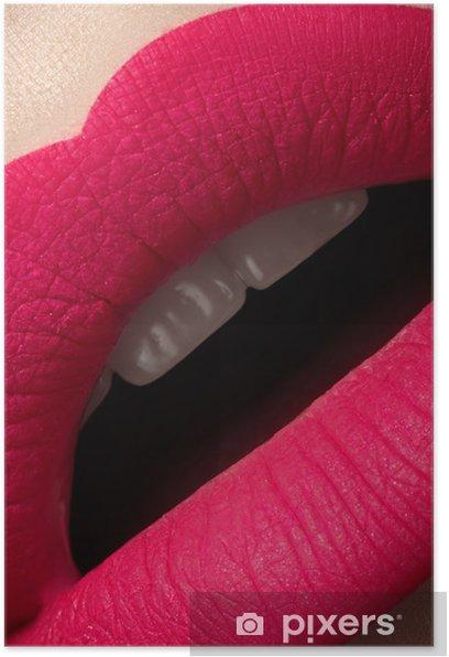 Plakat Pełna kobieta usta z jasnym mody makijaż różowy mat - Tematy
