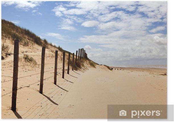 Plakat Piaszczysta plaża i błękitne niebo - Niebo