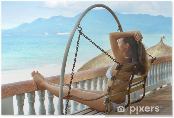 Plakat Piękne kobiety w bikini na tarasie marzeń - Wakacje