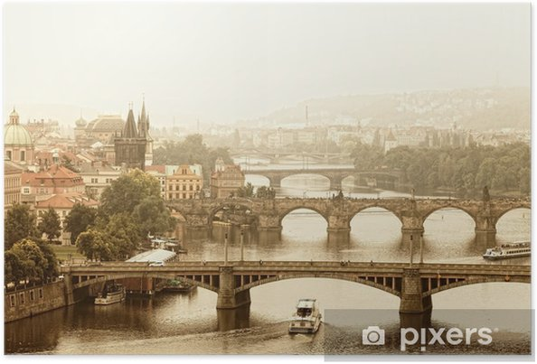 Plakát Praha, výhled na Vltavu a mosty v ranní mlze - Praha