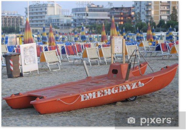 Plakat Ratowanie łodzi ratunkowej na plaży w Rimini, Emilia-Romagna, Włochy - Życie