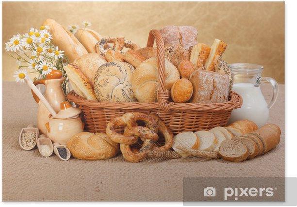 Plakat Różne wypieki w wiklinowym koszu - Posiłki