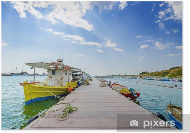 Plakát Rybaření marina lodě na cloud modrou oblohu a bordwalk - Prázdniny