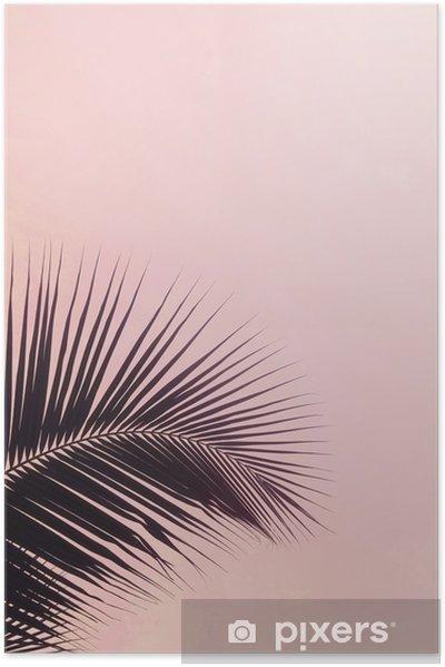 Plakat samoprzylepny Jedna sylwetka liści palmowych na różowym kolorze nieba. twórczy minimalizm. copyspace dla tekstu - Rośliny i kwiaty