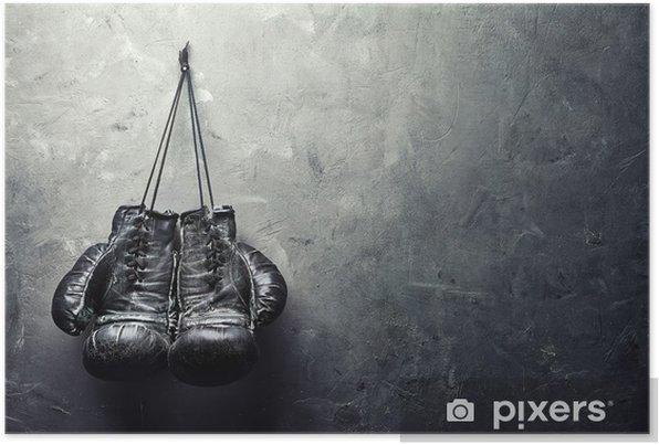 Plakat samoprzylepny Stare rękawice bokserskie powiesić na gwoździu na ścianie tekstury - Styl życia