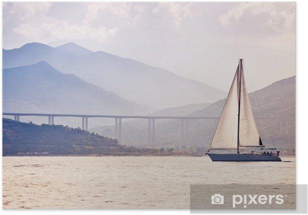 Plakat Samotny jacht o zachodzie słońca - Transport wodny