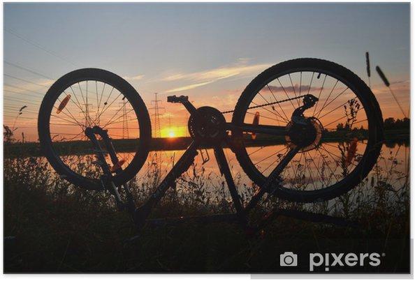 Plakát Silueta horské kolo na západ slunce - Na cestě