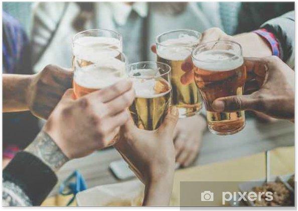Plakát Skupina přátel se těší na pivo - Pití