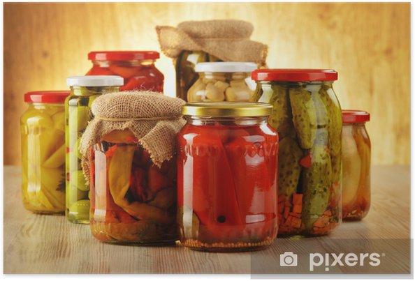 Plakát Složení s sklenic nakládanou zeleninou. Marinované potraviny - Koření a bylinky