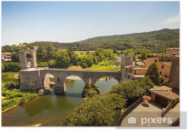 Plakat Średniowieczny most z bramy wieży. Besalu - Europa