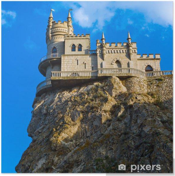 Plakat Średniowieczny zamek agains błękitne niebo z chmurami. Jaskółcze Gniazdo \ - Tematy