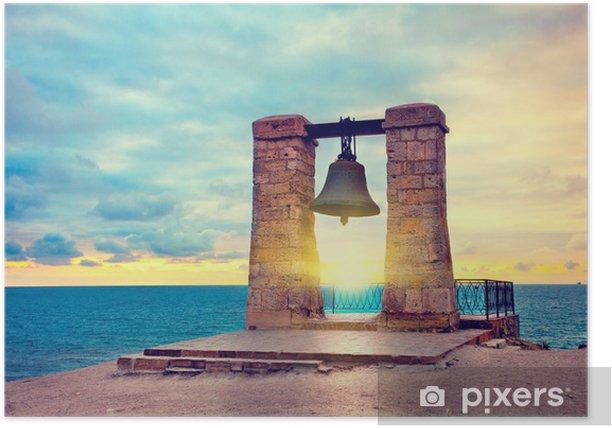 Plakat Starożytny dzwon o zachodzie słońca. w starożytnych Chersonez miasta, Sewastopol, - Europa