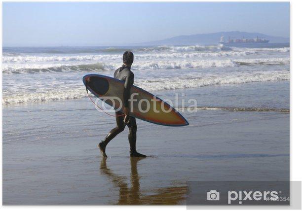 Plakat Surfer na wybrzeżu - Sporty indywidualne