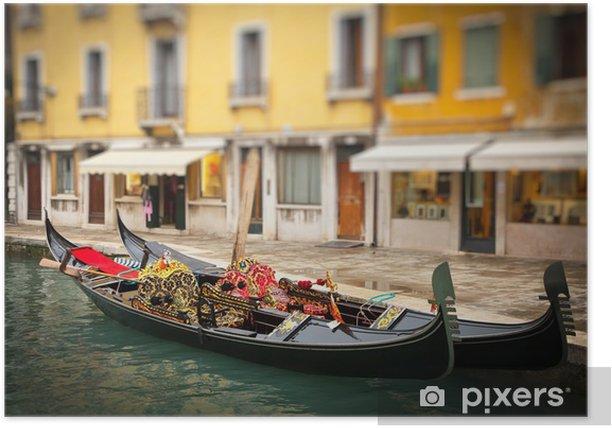 Plakat Tradycyjne gondoles w Wenecji - Miasta europejskie