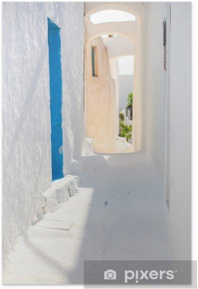 Plakat Tradycyjny biały pustej ulicy w małym miasteczku w języku greckim - Woda