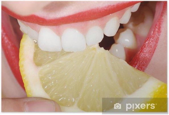 Plakat Uśmiechnij się i gryzą z cytryną, usta zamknąć - Tematy