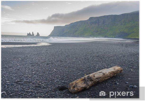 Plakat Vik, Islandia - piaszczysta plaża. - Woda