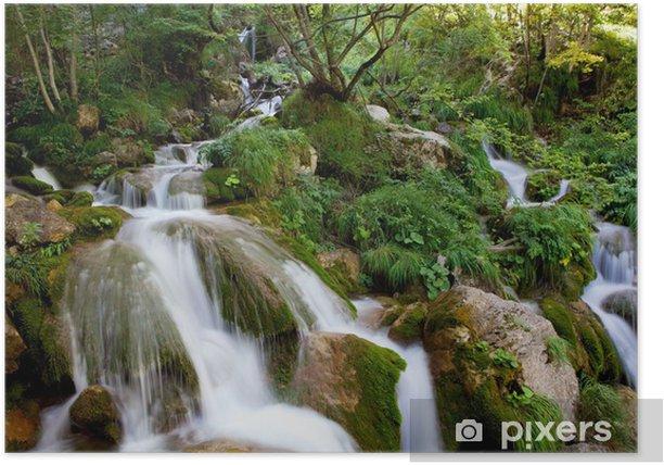 Plakát Vodopád na mechem porostlých skal - Témata