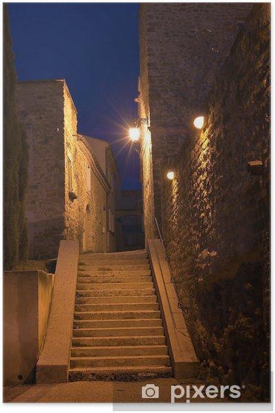 Plakat Wąska ulica średniowiecznych w Prowansji Grillon - Infrastruktura