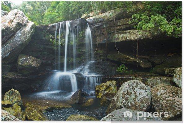 Plakat Wodospad w głębokim lesie w Tajlandii - Woda