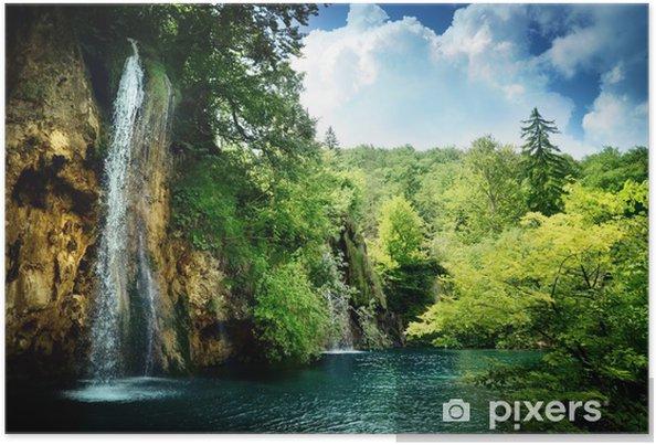 Plakat Wodospad w głębokim lesie - Tematy