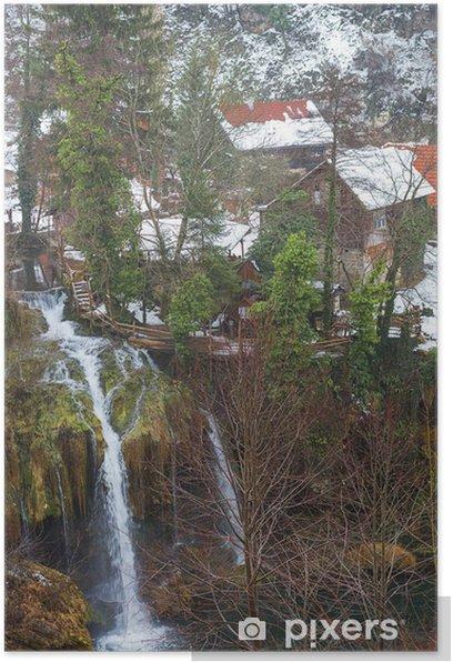 Plakat Wodospady w Rastoke. Stara część miasta Slunj. Chorwacja. - Europa