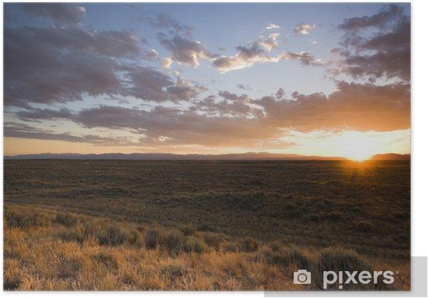 Plakat Zachód słońca na prerii - Krajobraz wiejski