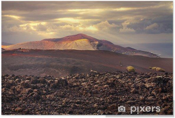 Plakat Zachód słońca nad wulkanem - Cuda natury