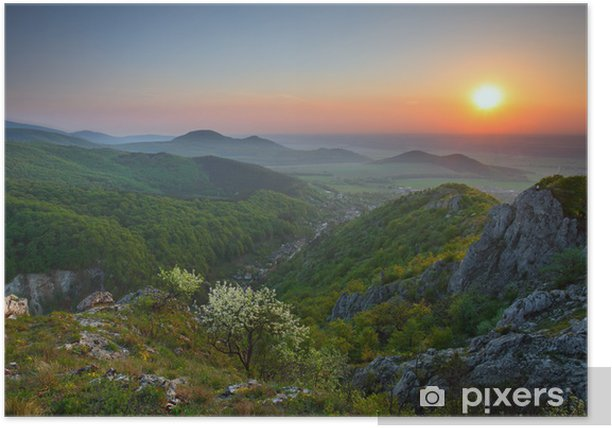 Plakát Západ slunce v zelené hoře - Témata