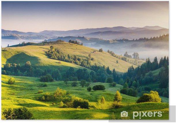 Plakat Zielone pagórki z górami w oddali - Tematy