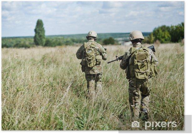 Plakat Żołnierz w patrolu - Zbrodnie i przemoc