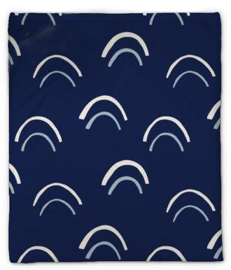 Pluche deken Crème handgetekende bogen vector naadloze patroon. abstracte uitgesneden print. geometrische indigo fishscale achtergrond