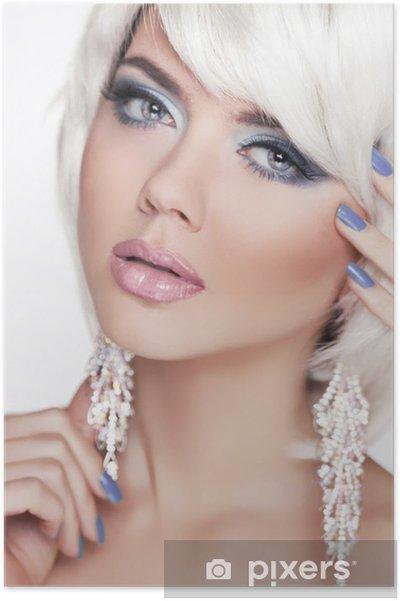 Poster Ausdrucksstarke Augen. Make Up. Fashion Beauty Girl. Frauen Portrait  Witz