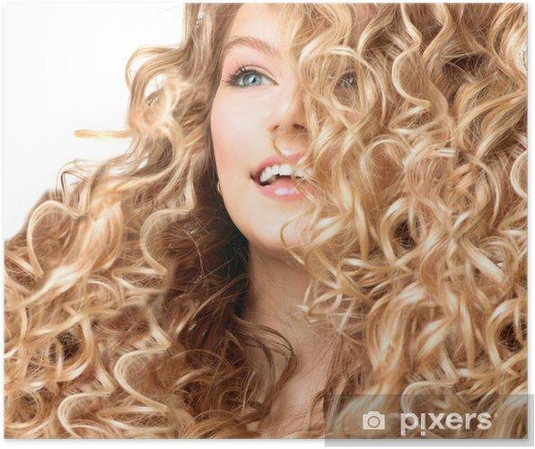 Poster Beauty Mädchen Mit Blonden Dauergewelltes Haar Lächelnde