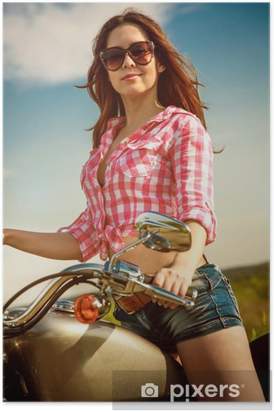 Poster Biker Mädchen sitzt auf dem Motorrad - Frauen