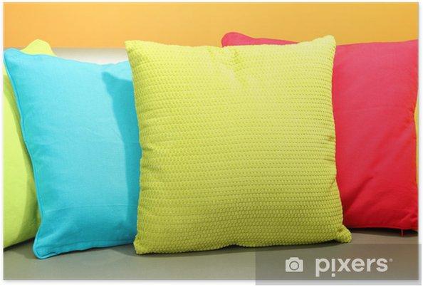 Cuscini Colorati Per Divani.Poster Cuscini Colorati Sul Divano Su Sfondo Giallo Pixers