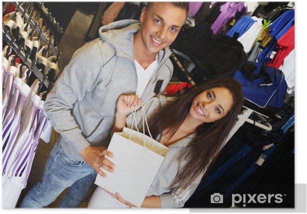 Poster Glückliche junge Paar mit Einkaufstasche in Sportswear Store - Fashion